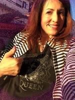 Queen Terry gomoda.jpg